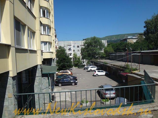 Кисловодск улица Белинского 15 Двор